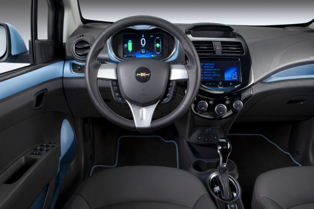 chevrolet annonce le prix de la spark ev 2014. Black Bedroom Furniture Sets. Home Design Ideas