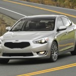2014-Kia-Cadenza-avant-Critique-Automobile