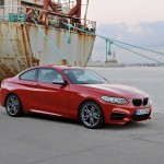 BMW M235i 2014 avant Critique Automobile