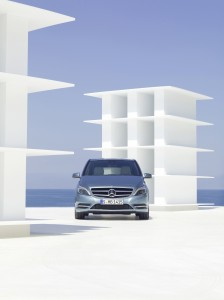 Mercedes-B250-2013-calandre-Critique-Automobile