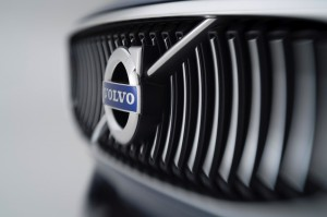 Volvo logo Critique Automobile Concept Coupé batteries carrosserie technologie innovation